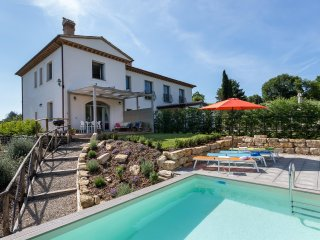 TODI. Villa Cottage, Pool. sun Terrace aircon. 4 person