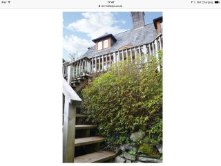 Sky sail cottage situated above Borth y Gest bay with amazing views