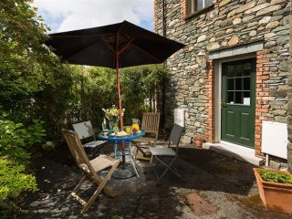 Patio area to the rear of the cottage