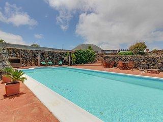 Acogedora casa vistas volcán c/ piscina!Ref.177926