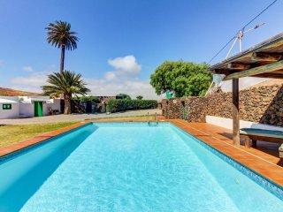 Casa histórica con jacuzzi & piscina! Ref. 176839