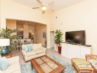 CB 964 Newly remodeled TOP FLOOR PENTHOUSE - just steps to the beach!!