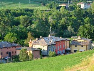 Tra le colline del Grasparossa (Lambrusco e Ferrari)
