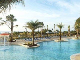 Carolina Beach Club 326 - 2 Bedroom 2 Bathroom Oceanside Flat