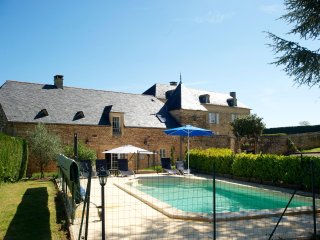 Luxury 5 star, 3 bedroom cottage with private pool, Beaux Reves, close to Sarlat