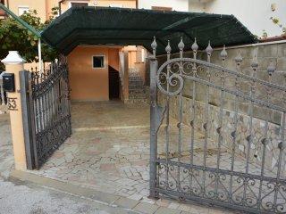 Apartment Eni 1 100974
