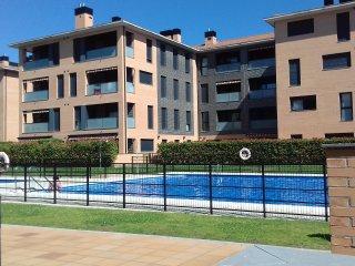 Apartamento con piscina y terraza en Jaca