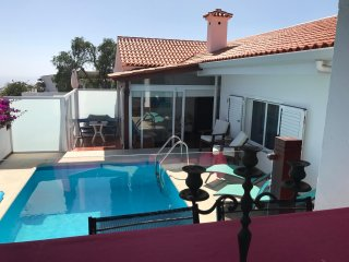 Spectacular Luxury OceanView Villa Marylin, Sauna+Jacuzzi+SwimmingPool (heated)