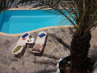 ELIXIR-downtown Naxos retreat/private pool.