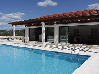 VILLA DIVA with Pool - A1 Apartment