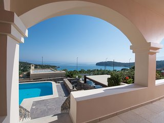 Sea Breeze Villa by Voulisma beach, at Istron Crete, accommodates max 8 people.