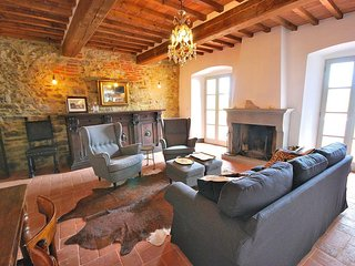 Casa Terrazza, Grand Tuscan house in Lucignano with spectacular views.