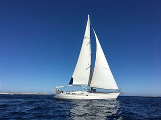 boat rentals, tours, sailing Ibiza, velero Ibiza, paquita, outdoor activities