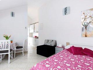 Studio apartment Della Croce 3