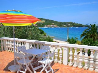 4 bedroom Villa in Iz Iz Mali, North Dalmatia Islands, Croatia : ref 2284649
