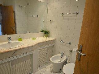 2 bedroom Apartment in Lisbon, Lisbon, Portugal : ref 2284465