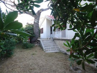 Great holidays in September -Apartment Rino near the sea, island Pag, Croatia