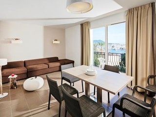 1 bedroom Apartment in Six Fours, Cote d'Azur, France : ref 2242760