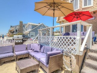 Perfect Location Boardwalk Beach House! (Upper)