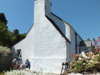 Hall Cottage (2102)