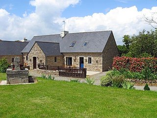 4 bedroom Villa in Tregunc, Brittany   Southern, France : ref 2023848