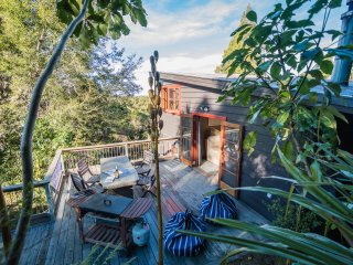 Your Treetop Hideaway - The Lookout Peel Forest, Boutique Holiday Home