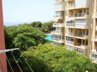 Apartamento para 4 personas. Piscina comunitaria. Centro y playa. Recepcion 24 h