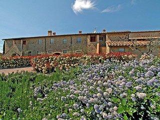 3 bedroom Apartment in Colle Val d'Elsa, Chianti, Italy : ref 2008497