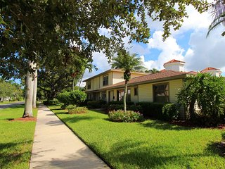 Somerdale in Olde Naples