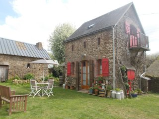 Intimate stone-built stable, suitable for couples