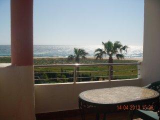 Apartamento Primera linea de Playa con vistas directas playa y montaña
