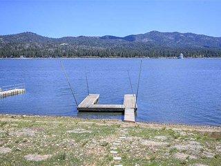 Ivy Bear Lakefront