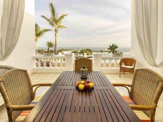 Villa del Puerto, Pool Sun