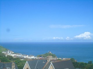 Amazing Sea Views, beautiful home,harbour/beach 10 mins walk, sleeps 2-8 easily