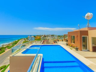 Spectacular 4 Bedroom Penthouse with Rooftop Pool!