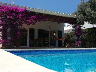 Chalet en Biniancolla con piscina y jardín