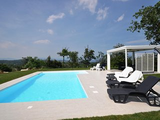 Villa Garden, private pool with air conditioning in all the rooms and loft.