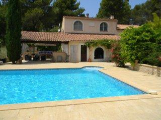 Location villas avec piscine en provence