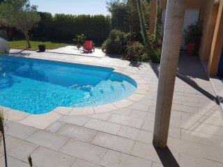 Maison avec piscine proche de la mer située en France dans la région Bretagne