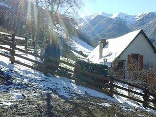 Chalet de charme Pyrenees 15mn la station du MOURTIS WIFI Animaux bienvenus