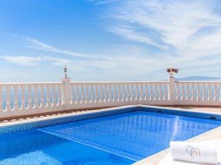 Luxury Villa,Apartment,Chalet Heated Private Pool Sea Views Cinema Disco Adeje