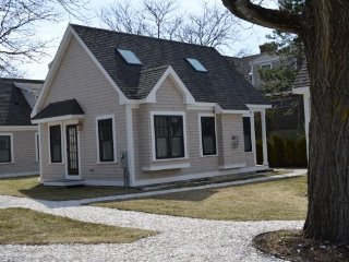 Beautiful, peaceful 2 bedroom condo cottage