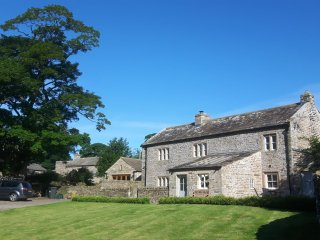 Beautiful Grade II listed Yorkshire Dales cottage. Sleeps 8