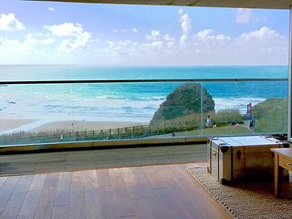 11 Zenith, Porth Cornwall amazing direct beach views