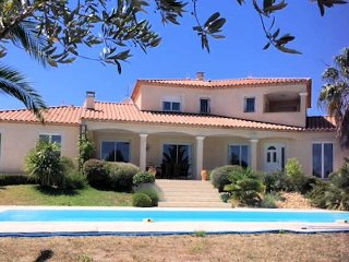 Narbonne luxury villa France with private pool sleeps 8