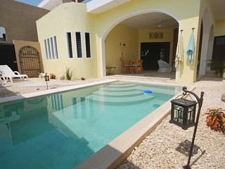 Luxurious 1 b/1 bath with private yard, pool