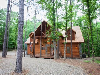 Copper Spa Lodge (Sleeps 14, 3 Master, 1 Bunk Room, Games, Wet Steam Room)