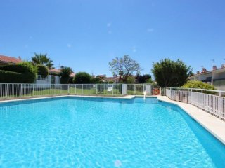 Casa adosada con gran piscina y jardin