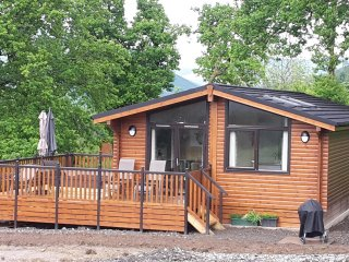 Teaghlach Luxury Lodge at Balquhidder Mhor with Hot Tub, Sleeps 4-6