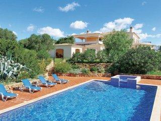 Amazing 500sqm Villa near Albufeira